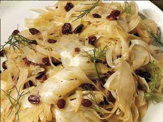 Padellata di finocchi con olive e uvetta.....