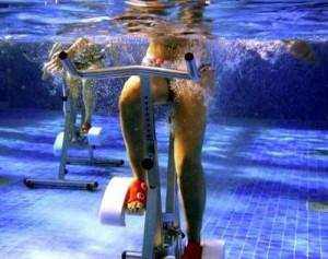 pedalare in piscina