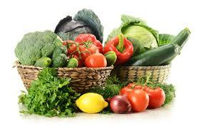 Frutta e verdura a volontà per proteggersi la pelle!